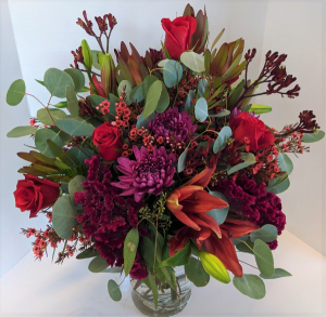 Awe-Inspiring Love Fresh Vase Arrangement in Gardner, KS | In Full Bloom Too