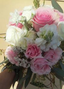 B 1 Fresh Handheld Bouquet
