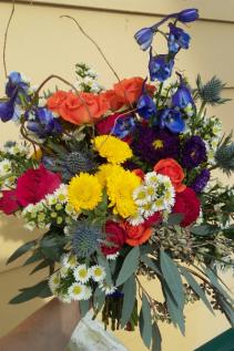 B 4 Fresh Handheld Bouquet