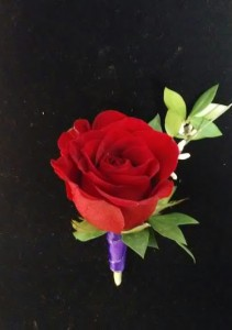 B0-7 Red Rose Boutonniere Boutonniere