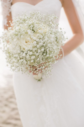 BABY'S BREATH AND 6 WHITE ROSES Bride bouquet