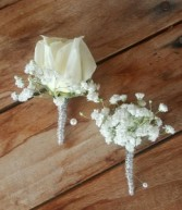 Baby's Breath Bout Boutonniere