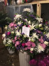 basket lilys roses mix flowers