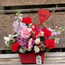Basket of blooms Bouquet VA6
