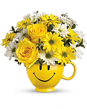 Be Happy table arrangement in Berkley, MI | DYNASTY FLOWERS & GIFTS