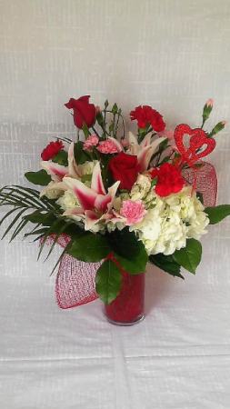 Be My Valentine Arrangement in Powell, OH | MILANO FLORIST