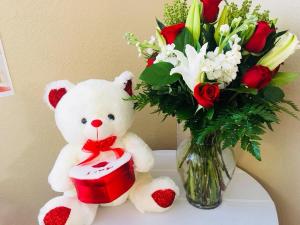 Be My Valentine Valentine's Day Bundle in Lancaster, CA | GONZALEZ FLOWER SHOP