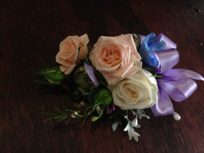 Beachcomber Pin-on corsage