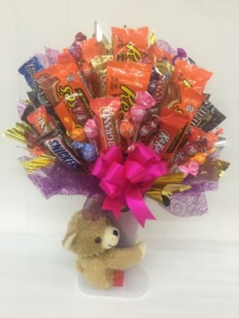 Bear hug candy bouquet
