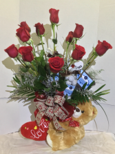 Bear Hug Dozen Special Roses