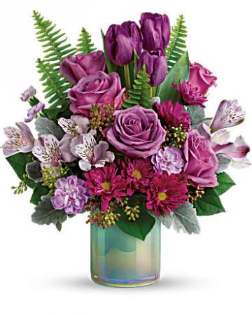 Beautiful Art Glass Bouquet Keepsake vase
