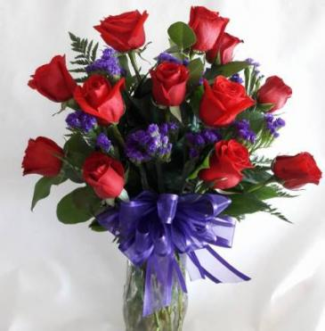 Beautiful Dozen in Glass Red Rose Arrangement