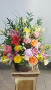 Beautiful Garden Basket  Mix Floral Basket