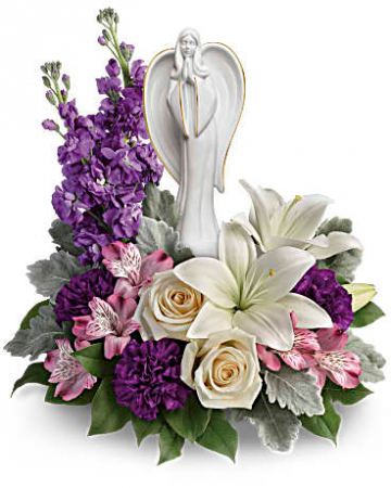 Beautiful heart bouquet table arrangement