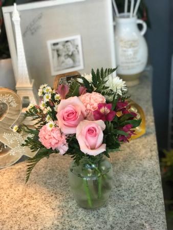 Beautiful & sweet  Fresh arrangement
