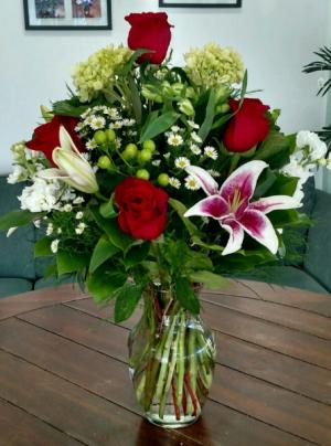 Beautiful Valentine Arrangement in Bluffton, SC | BERKELEY FLOWERS & GIFTS