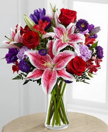 Beauty blooms bouquet  Vase