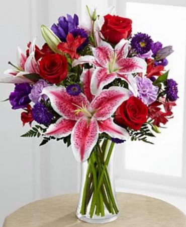 Beauty blooms bouquet  Vase