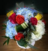 BEAUTY BLUE ELEGANT AND MIXTURE FLOWERS