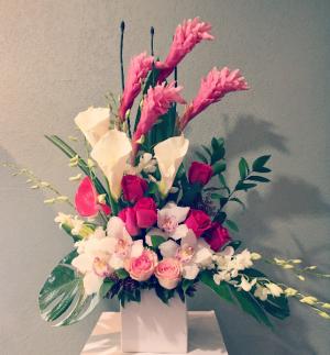 BEAUTY  PINK ELEGANT MIXTURE OF FLOWERS in Houston, TX | Bella Flori