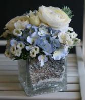 BEAUTY SECRET ELEGANT MIXTURE OF FLOWERS