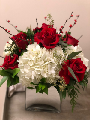 BEAUTY SECRET ELEGANT MIXTURE OF FLOWERS in Houston, TX | Bella Flori