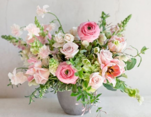 BEAUTY SPRING ELEGANT MIXTURE OF FLOWERS in Houston, TX | Bella Flori