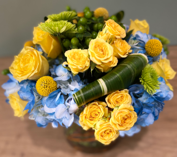 BEAUTY YELLOW ELEGANT AND MIXTURE FLOWERS