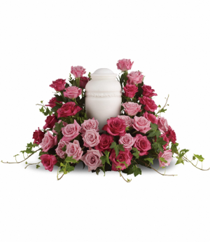 Bed of Pink Roses T253-2 in Rossville, GA | Ensign The Florist