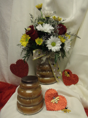 Bee My Valentine Valentine in Delta, OH   Calaways Flowers & Antiques