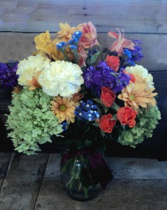 Berkshire Grace Vase Arrangement in North Adams, MA | MOUNT WILLIAMS GREENHOUSES INC