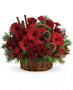 Berries and Spice Basket Christmas Flowers
