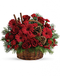 Berries and Spice Christmas Arrangement