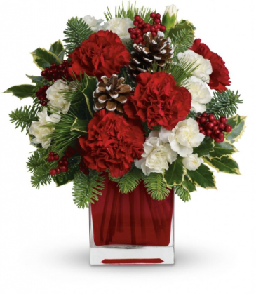 Berry Merry Christmas Arrangement