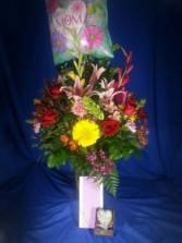 BEST MOM EVER FRESH FLOWERS, CANDY, GIFT,MYLAR