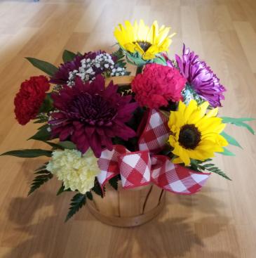 Best Mom Ever Basket Fresh flower arrangement