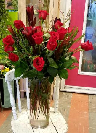 Big Love Vase of Roses Vase