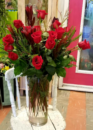 Big Love Vase of Roses Valentines