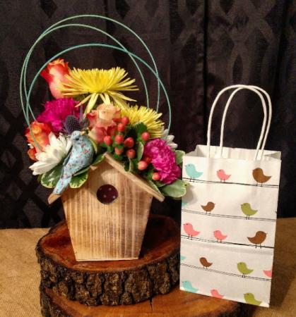 Birdhouse arrangement and sweets