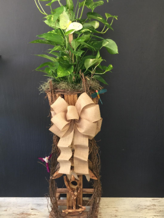 Birdhouse Planter with Beige Bow