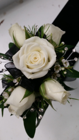 Black and white corsage in navarre fl navarre beach flowers nursery black and white corsage mightylinksfo