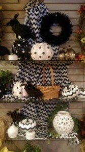 Black and white pumpkins  GIFT ITEM