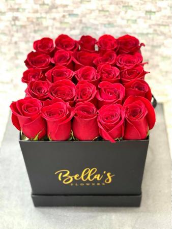25 Fresh Roses In Black hat Box 25 Fresh Roses