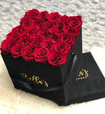 BLACK SUADE HAT BOX 25 FRESH ROSES