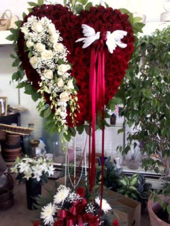 TRUE LOVE HEART bleeding heart on stand