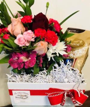 Beautiful Bloom Box  Valentine's Day Chocolates  Bloom Box  in Prairie Grove, AR | The Petal Peddler Flower Shop