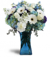 Blooming Blues bouquet All-around Floral arrangement
