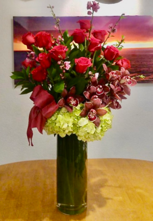 Blossoming Majesty Rose Arrangement in Laguna Niguel, CA | Reher's Fine Florals And Gifts