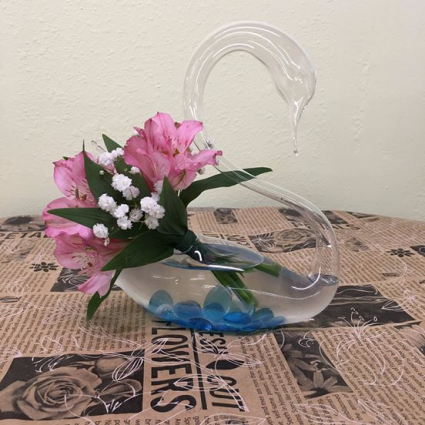Blown Glass Swan Arrangement