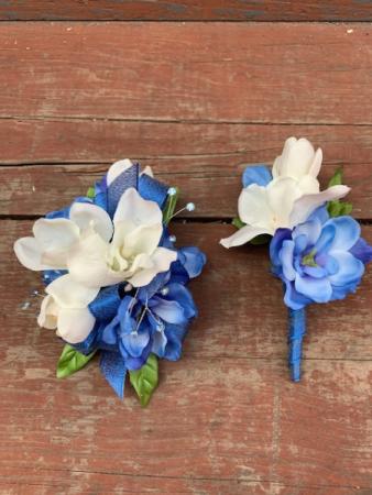 Blue and White Elegance Silk